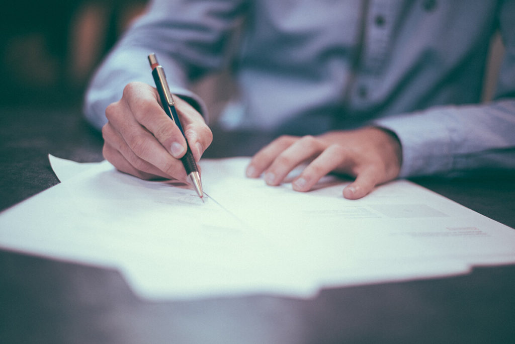 Vertrag-Unterzeichnung